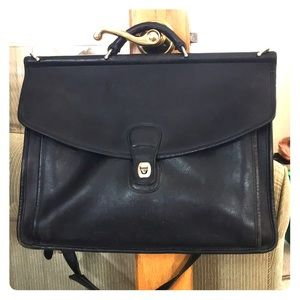💕 Coach black leather vintage xl laptop work bag